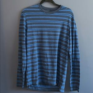 American Eagle Outfitters long sleeve t-shirt
